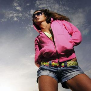 sweat rose à capuche